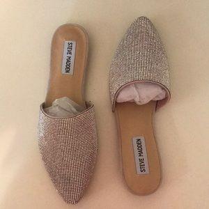 Shoes - Steve Madden Flats